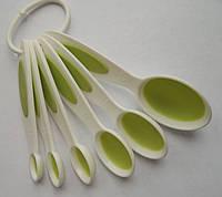 Набор маленьких пластиковых мерных ложек (6 шт)