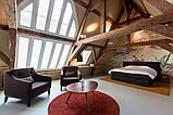 Дизайн помещения с декоративными балками на потолке, фото 6