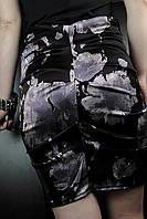 Черно-серая юбка в розах