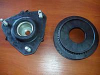 Опора переднего амортизатора Ford Fiesta MK 5 комплект