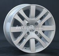 Литые диски Replay Peugeot (PG26) R15 W6.5 PCD4x108 ET27 DIA65.1 (silver)