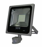 Светодиодный прожектор 50 Вт с датчиком движения и датчиком света smd2835 6500К, фото 1