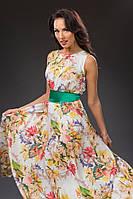 Шелковое платье с цветочным принтом.