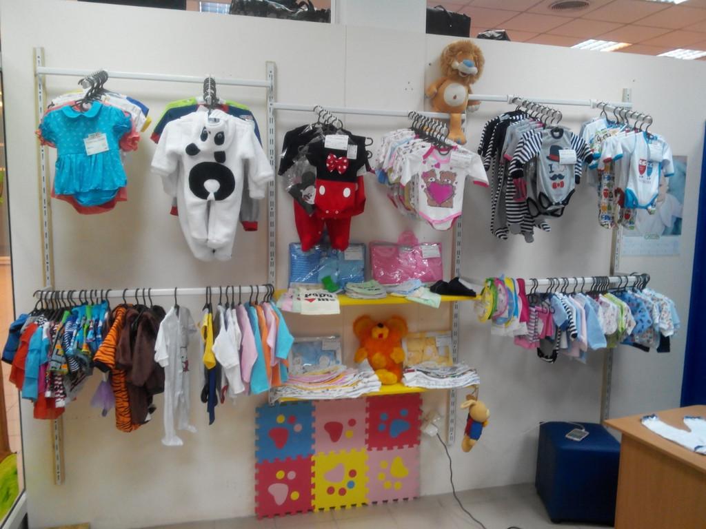 Торговое оборудование магазина детской одежды 1