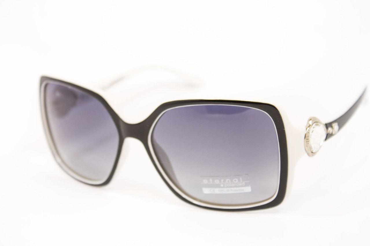 4783b75bd44f Женские очки стильной формы и красивым сочетанием цветов оправы ...