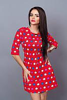 Красное платье в модный цветочный принт