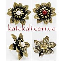 Серьги-гвоздики Цветы с бусиной