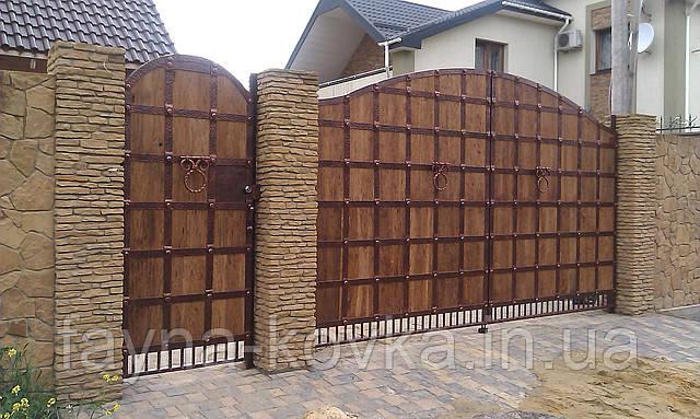 Кованые ворота (всередине дерево) 265