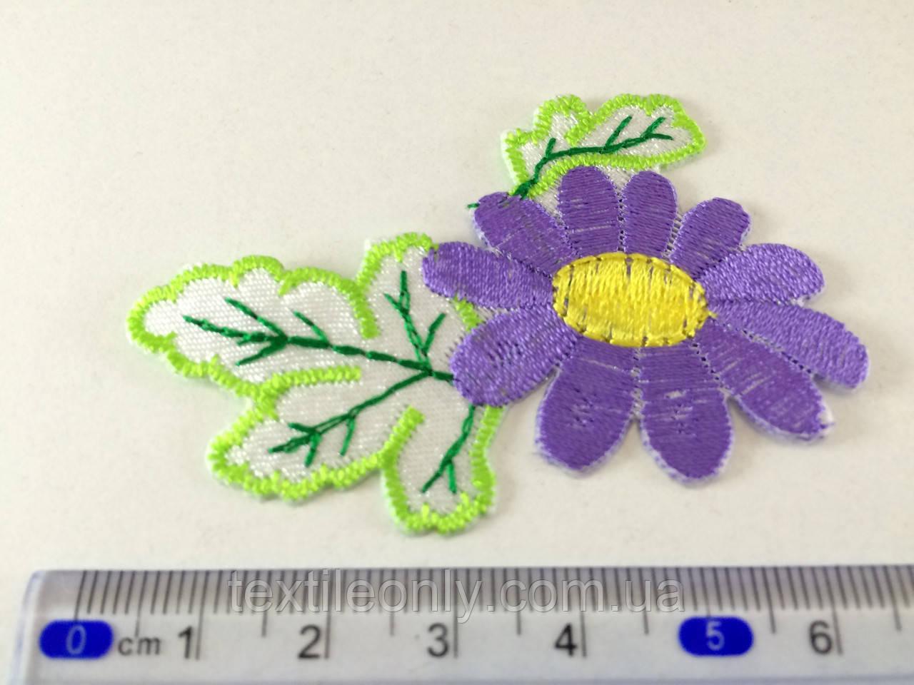 Нашивка цветочек , цвет фиолетовый