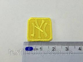Нашивка New York (квадрат) , цвет желтый