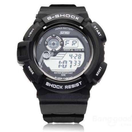 Спортивные мужские часы SKMEI S-SHOCK 0939 кварцевые с подсветкой  циферблата водонепроницаемые - Интернет магазин 87fe5da10d7