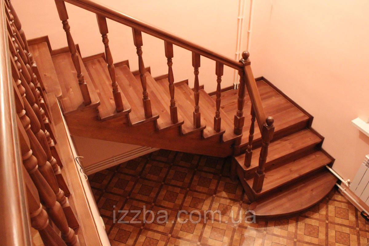 Столбы, балясины для лестниц из дерева
