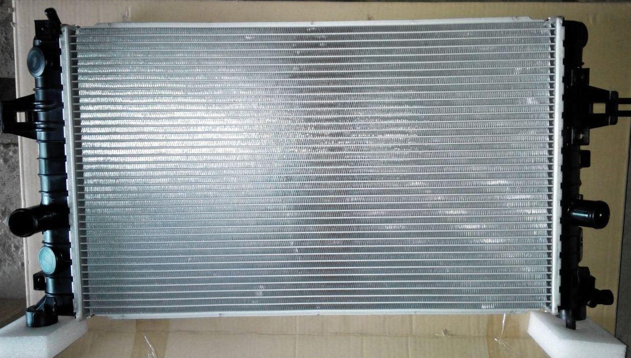 Радиатор Оpel Astra G Twin Port Astra H 2004- (1.6-1.8) 600*370мм по сотах KEMP