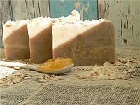 """Натуральное мыло """"Полезный завтрак: Овсянка, Молоко, Мёд"""""""