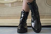 Женские стильные черные лаковые ботинки на тракторной подошве  . Арт-0426