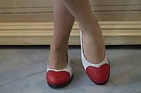 Бежевые стильные балетки из эко-кожи с нашивкой Сердечко на носках.  Арт-0436, фото 1