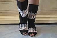 Черные стильные тканевые женские сапожки с открытым носком и кружевными вставками. Арт-0169, фото 1