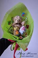 Букет з цукерок дівчинці з мишком