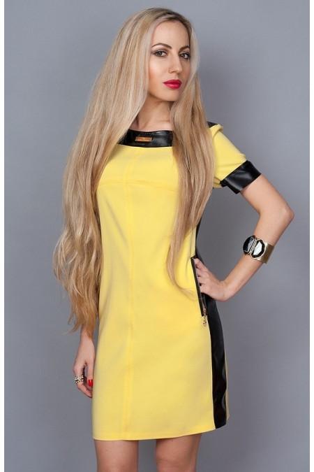 Платье с отделками из кожи желтое
