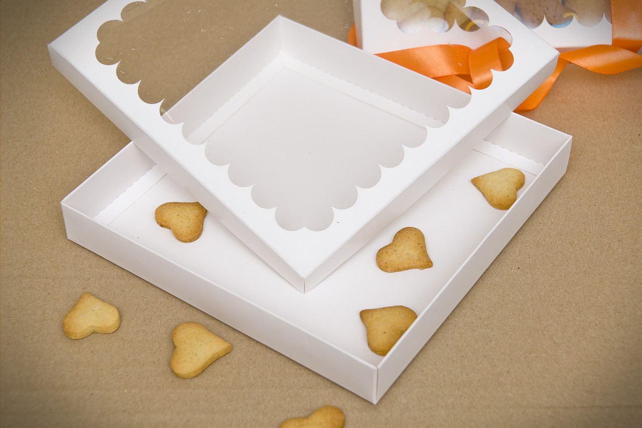 Коробка для пряников21*21*3 белая,крафт (код 04778)