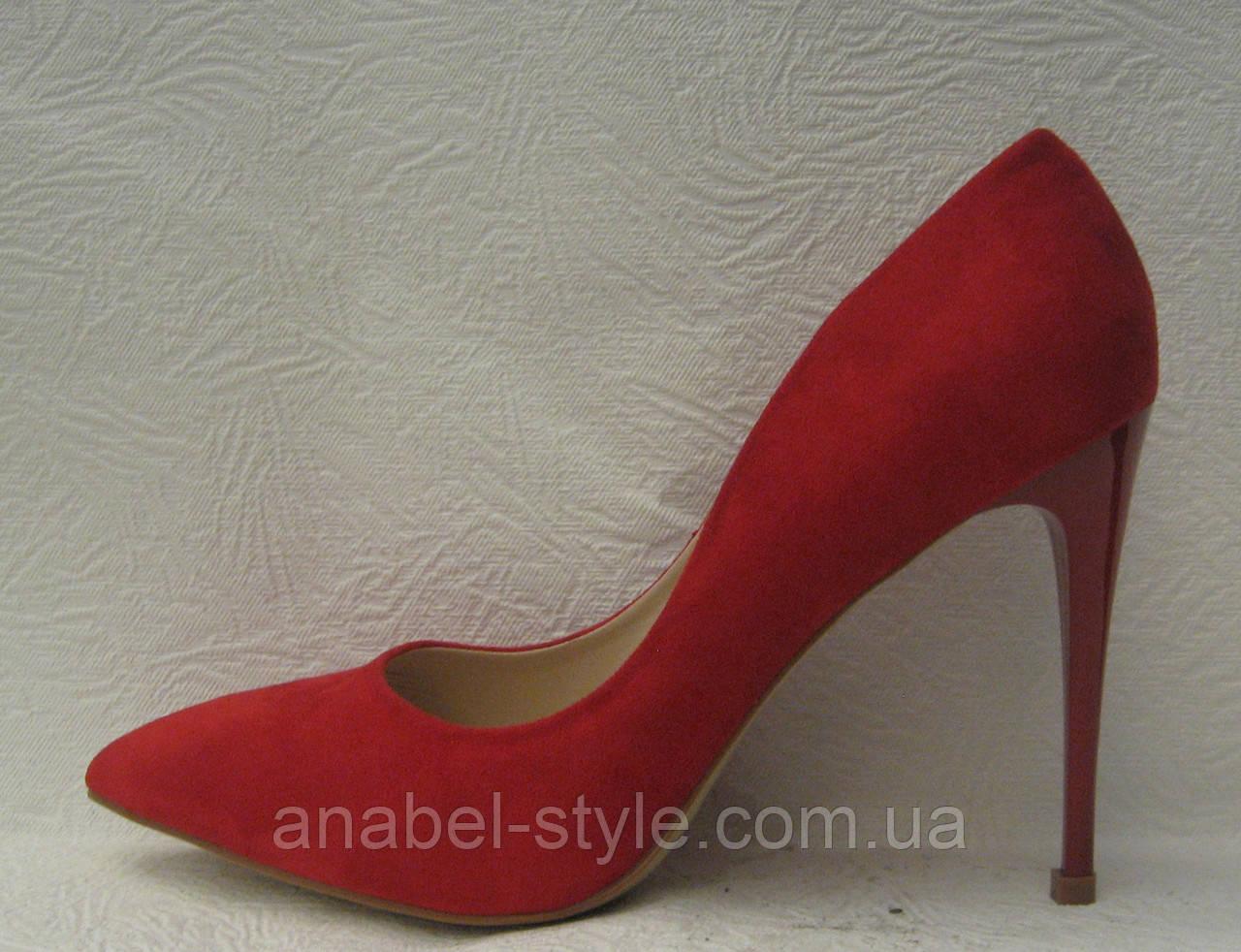 Туфли женские классические на шпильке красные