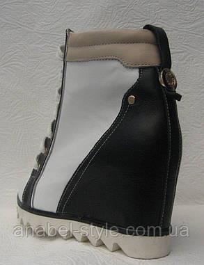 Сникерсы женские стильные на шнуровке на танкетке Код 105.к, фото 2