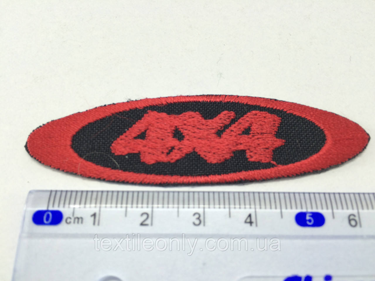 Нашивка 4х4 цвет красный
