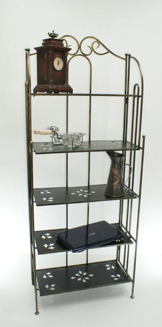 Кованая мебель: кованые этажерки.
