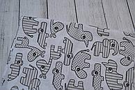 Лоскут ткани №20 с носорогами серого цвета
