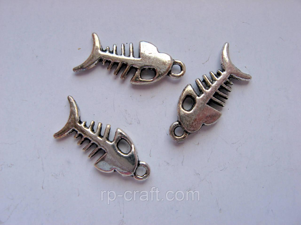 Підвіска металева. Скелет риби, 8х18 мм