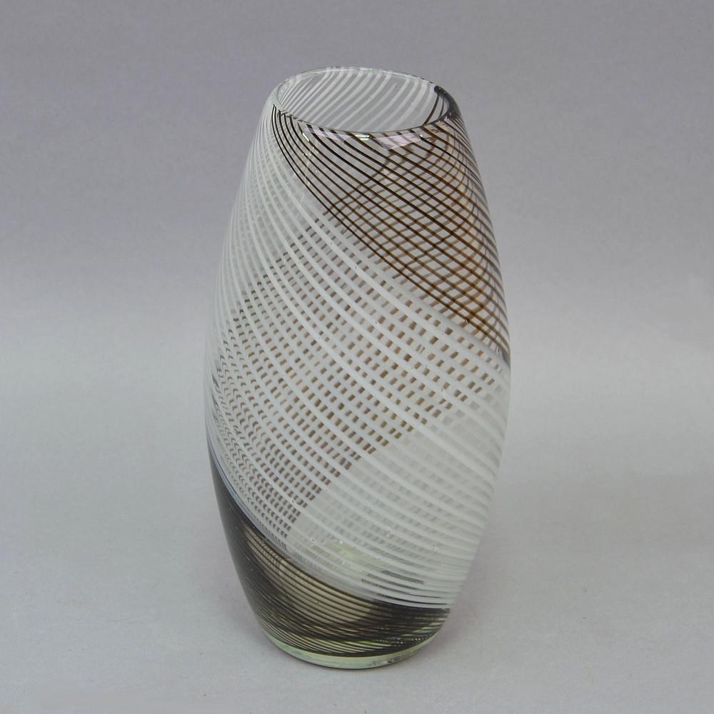 Ваза из цветного стекла V081 - ART-UA, скидка 30% от 2000 грн. в Одессе