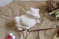 Игрушка для детского творчества лягушка на боку.