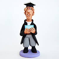 Керамическая статуэтка. Выпускник