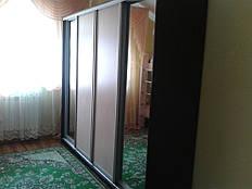 четырех дверный Шкаф купе ширина 2400 мм высота 2100 мм и глубина 600 мм, с фасадами зеркало 2шт + ДСП Дуб молочный 2шт