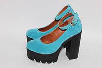 Женские туфли с ремешком на тракторной подошве с каблуком