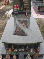 Гранитные надгробия (Образец 556)