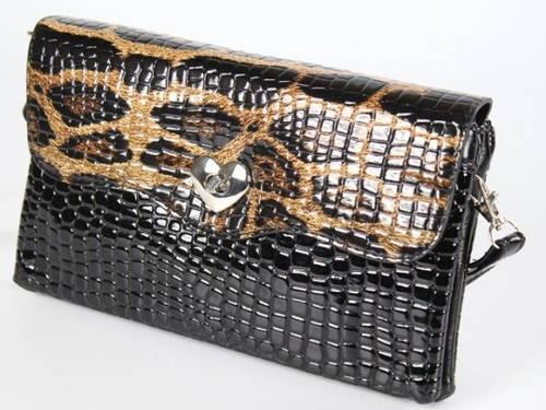 Женский лакированный клатч с леопардовым рисунком Traum 7212-06