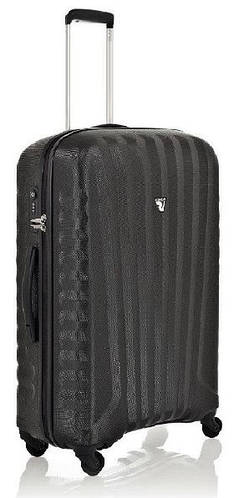 Практичный средний пластиковый чемодан 70 л. Roncato UNO ZIP SPOT 5082/02/01 черный