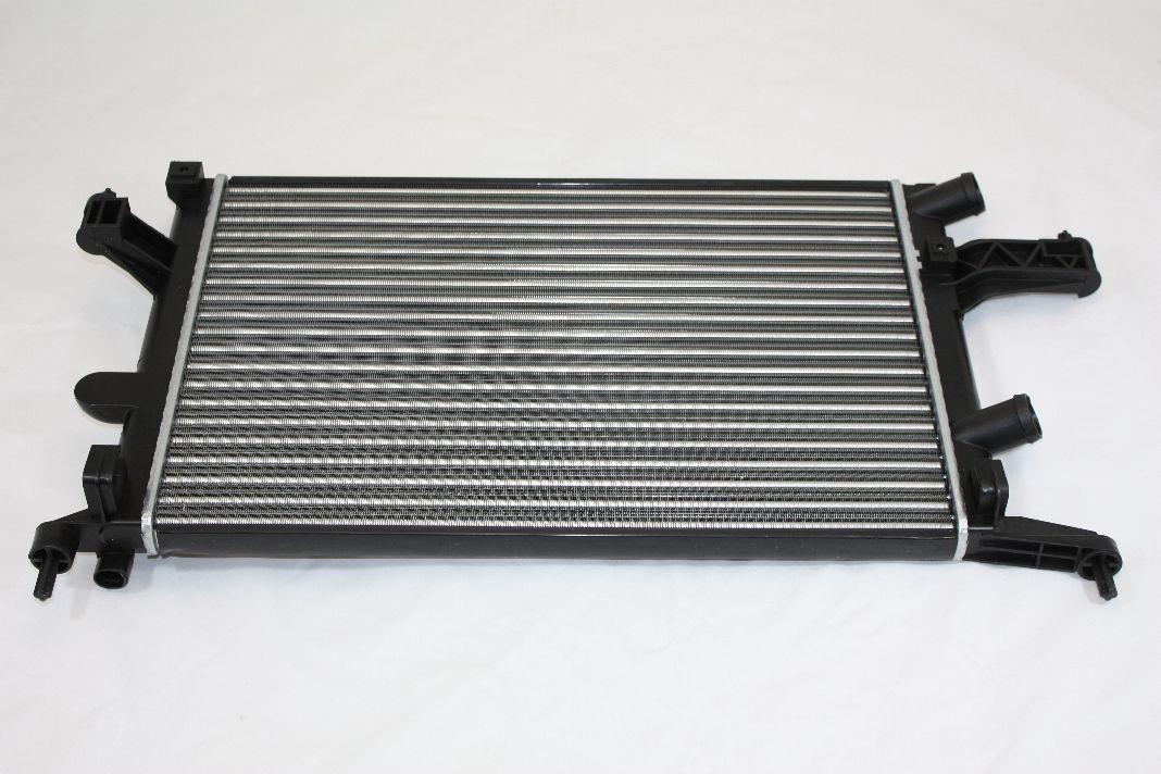 Радиатор охлаждения Opel Combo 2003- (1.3-1.7CDTI 16V AC+) 600*350мм по сотах KEMP