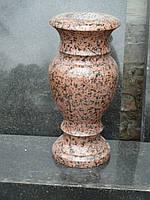 Гранитные вазы на кладбище (вазы из гранита на могилу)