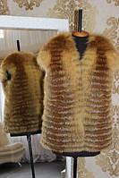 Шуба из натуралных цельных шкур лисы в роспуск. Длина 65 см