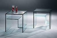 Стеклянный журнальный столик-куб
