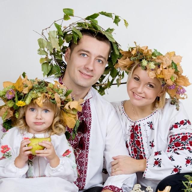 Вышиванки и национальная одежда для всей семьи