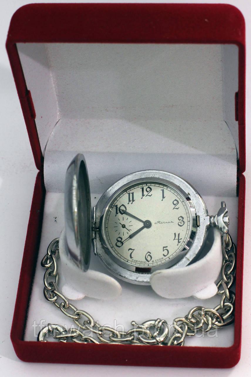 Мония часы в шкатулке