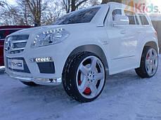 Детский электромобиль MERCEDES GL63 белый автопокраска + кожаное сидение + EVA колеса, фото 2