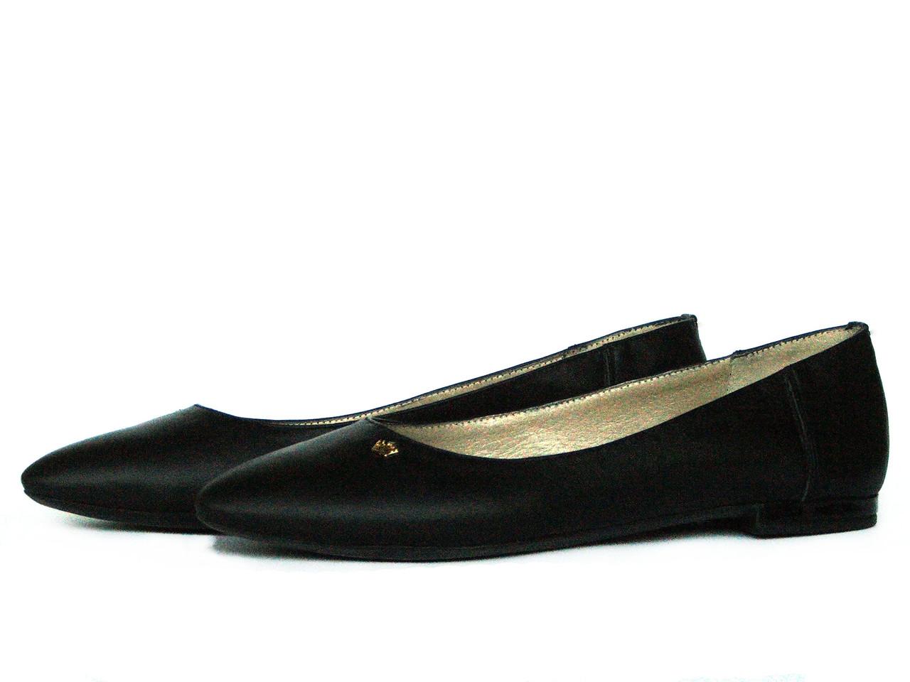 Черные кожаные остроносые балетки