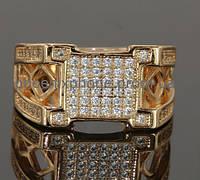 Интересное кольцо с фианитами, покрытое золотом (125620)