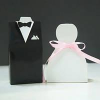 """Бонбоньерки """"Жених и невеста"""" в виде костюма жениха и платья невесты"""