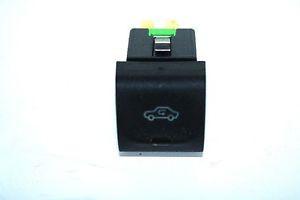 Кнопка включения рециркуляции воздуха 5-и контактная Opel Omega-B до 1997года 90508287