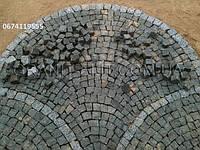 Колотая гранитная брусчатка 5-5-5 см. для дворов и садовых дорожек